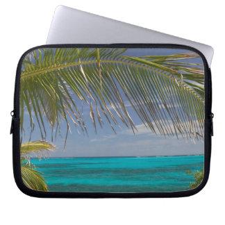 BAHAMAS, Abacos, Loyalist Cays, Man O'War Cay: Computer Sleeve