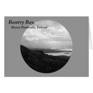 Bahía de Bantry del camino Irlanda del túnel Felicitaciones
