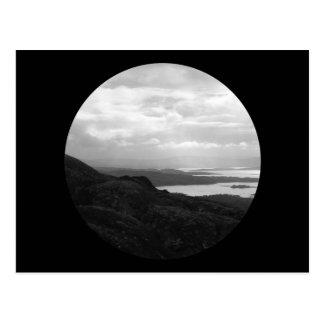 Bahía de Bantry del camino Irlanda del túnel Tarjetas Postales