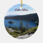 Bahía de la esmeralda de Tahoe- del lago Adorno Navideño Redondo De Cerámica