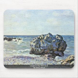 Bahía de Langland con la roca por Sisley Alfred Alfombrilla De Ratones