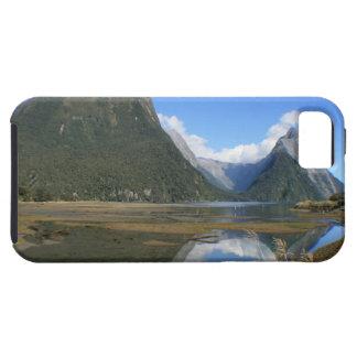Bahía de Milford Sound, pico del inglete, Nueva Ze iPhone 5 Cobertura