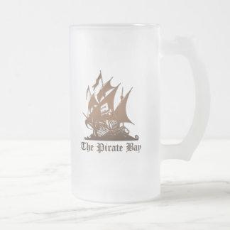 Bahía del pirata, piratería ilegal del Internet Taza Cristal Mate