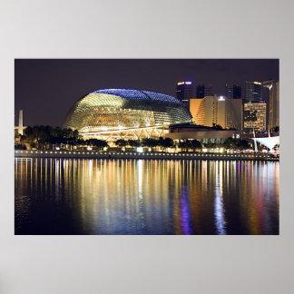 Bahía del puerto deportivo de Singapur en la noche Poster