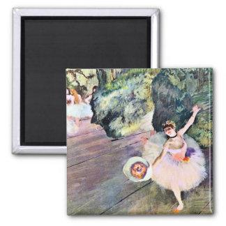 Bailarín con un ramo de flores de Edgar Degas Imán Cuadrado