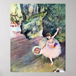 Bailarín con un ramo de flores de Edgar Degas Póster