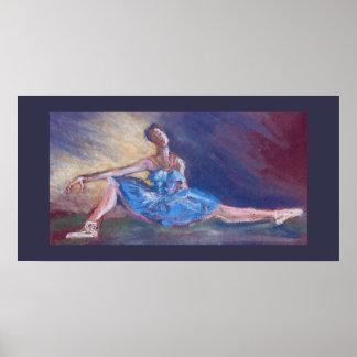 Bailarín de ballet de reclinación en pastel en el póster