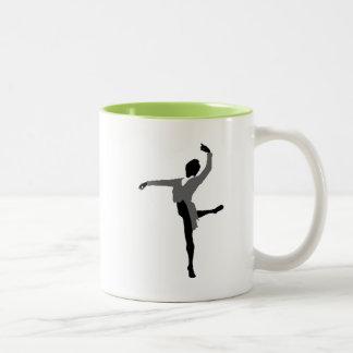 Bailarín de sexo masculino fresco taza de dos tonos