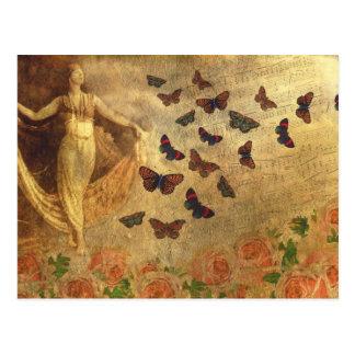Bailarín del vintage con partitura y mariposas postal