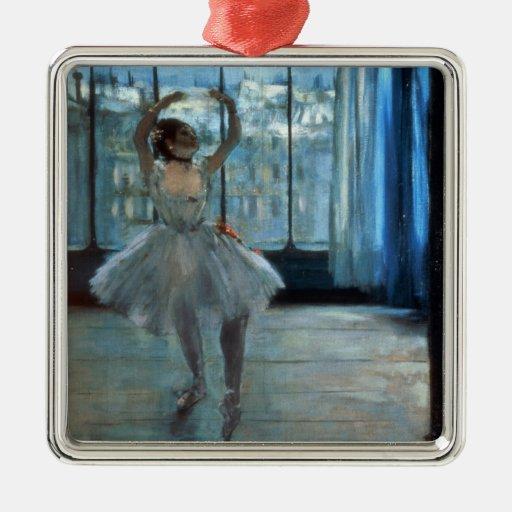 Bailarín delante de una ventana c.1874-77 adorno navideño cuadrado de metal