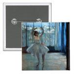 Bailarín delante de una ventana c.1874-77 pin cuadrada 5 cm