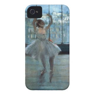 Bailarín delante de una ventana iPhone 4 cárcasa