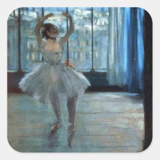 Bailarín delante de una ventana pegatina cuadrada