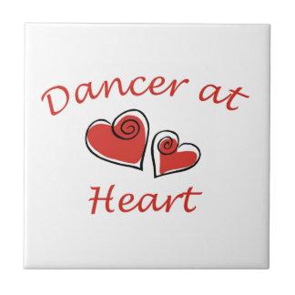 Bailarín en el corazón azulejo cuadrado pequeño