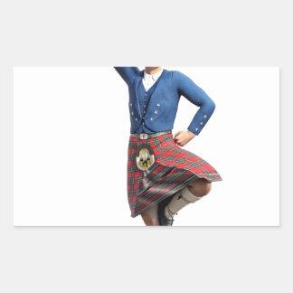 Bailarín escocés con la mano derecha para arriba pegatina rectangular
