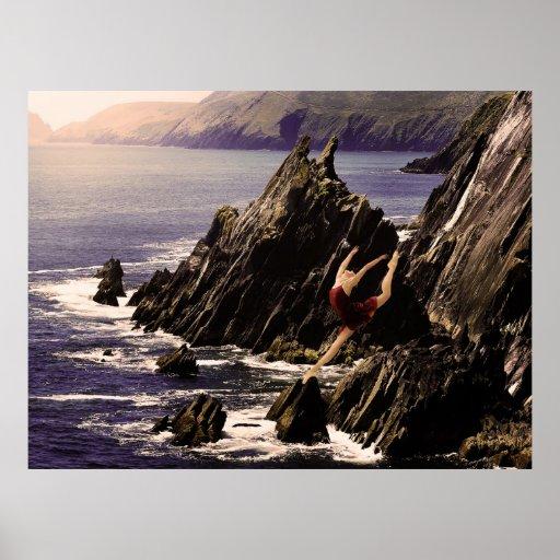 Bailarín que equilibra en el poster de la roca