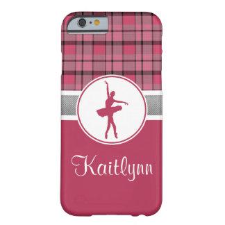 Bailarín rojo personalizado de la tela escocesa funda barely there iPhone 6