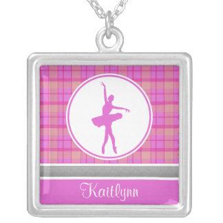Bailarín rosado personalizado de la tela escocesa colgante cuadrado