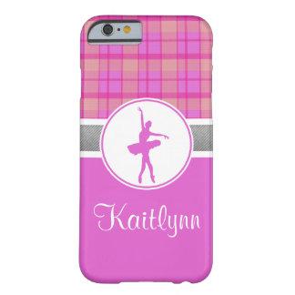 Bailarín rosado personalizado de la tela escocesa funda barely there iPhone 6