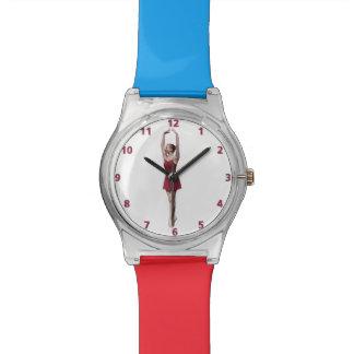 Bailarina agraciada en el personalizable de Pointe Reloj