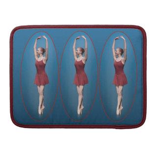 Bailarina agraciada en Pointe Funda Macbook Pro