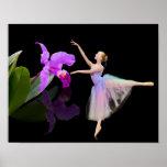 Bailarina con la orquídea en la impresión o el pos impresiones