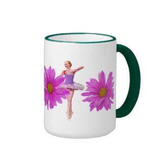 Bailarina con las margaritas rosadas taza de dos colores