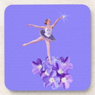 Bailarina con las violetas posavasos de bebidas