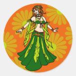 Bailarina de la danza del vientre irlandesa de la pegatinas redondas