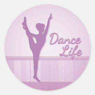 Bailarina de la vida de la danza - púrpura - pegatina redonda
