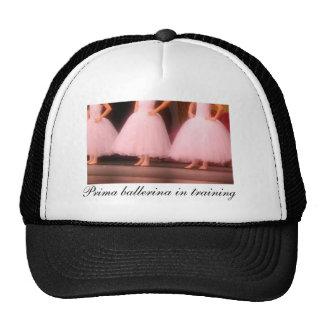 Bailarina de Prima en gorra del entrenamiento