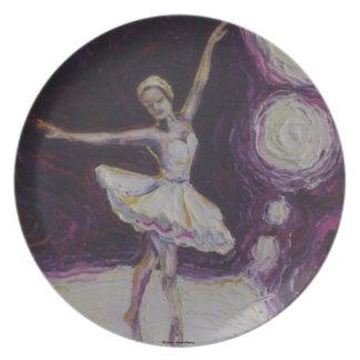 Bailarina del baile en placa púrpura plato para fiesta
