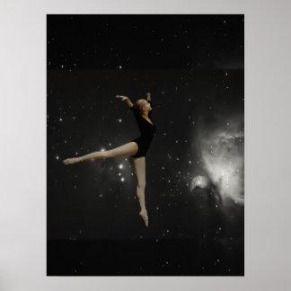 Bailarina del chica de la estrella y nebulosa de póster