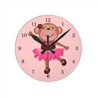 Bailarina del mono reloj