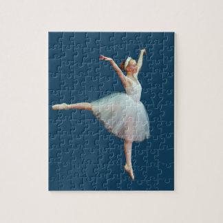 Bailarina en blanco en azul puzzle
