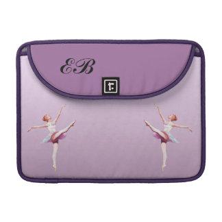 Bailarina en el rosa y la lavanda, monograma fundas para macbooks