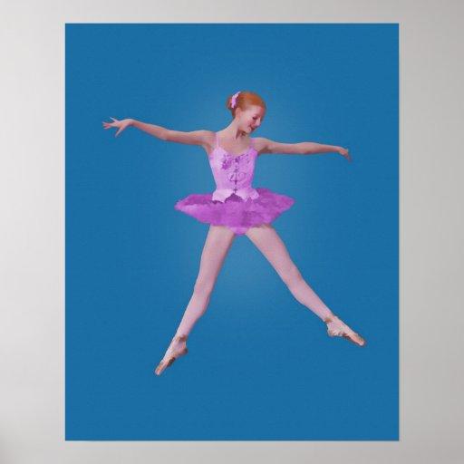 Bailarina en la impresión rosada del traje póster