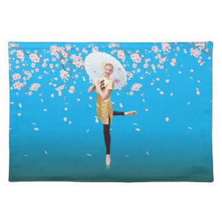 Bailarina en las flores de cerezo Placemat Manteles