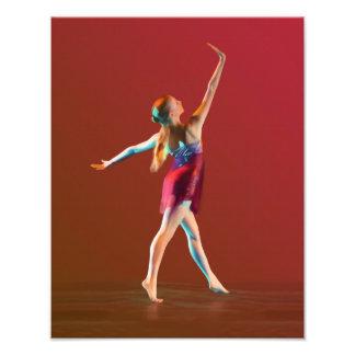 Bailarina en rojo fotografías
