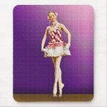 Bailarina en rosa y blanco alfombrilla de ratón