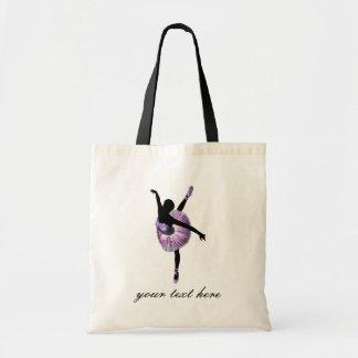 Bailarina hermosa en púrpura bolsa tela barata