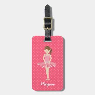 Bailarina triguena en los lunares rosados 2 etiqueta de maleta