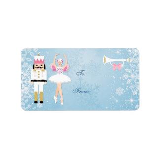Bailarina y cascanueces en etiqueta azul del regal etiqueta de dirección