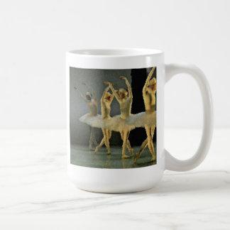 Bailarinas del ballet de la danza taza de café