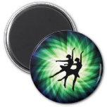 Bailarinas que brillan intensamente imán de frigorífico