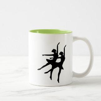 Bailarinas que brillan intensamente taza de dos tonos