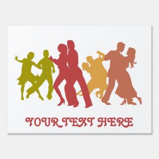Bailarines coloridos del tango letrero