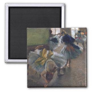 Bailarines en el cuarto del ensayo - Edgar Degasa Iman De Nevera