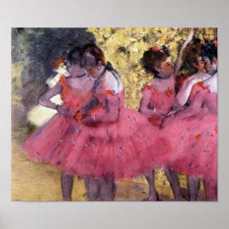 Bailarines en rosa entre las escenas póster