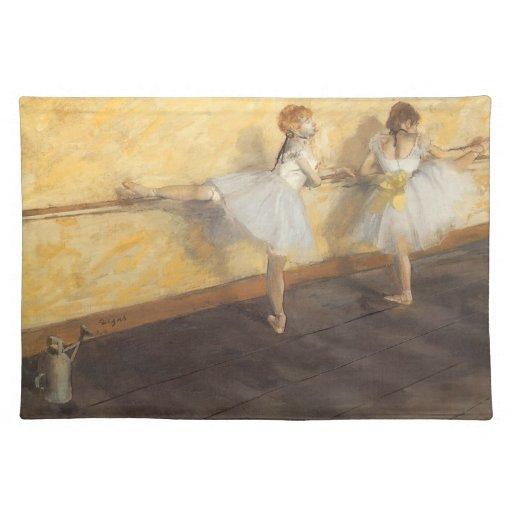 Bailarines que practican en la barra de Edgar Mantel Individual